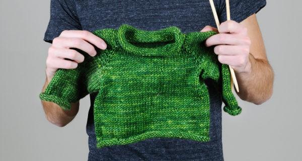 tejiendo jersey de bebe