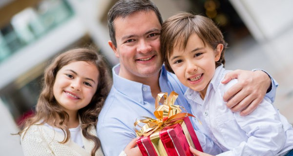 padres e hijos en el Día del Padre