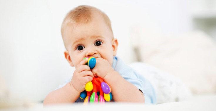 Los niños se llevan todo a la boca así que tenemos que evitar que lo hagan con objetos pequeños