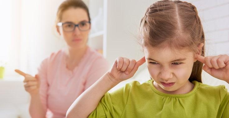 Si un niño no entiende por qué se le riñe, o nuestro estilo es demasiado autoritario, se verá más frustrado