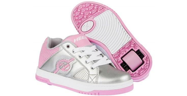 Los niños deben entender  a diferenciar entre las zapatillas de andar y un juguete