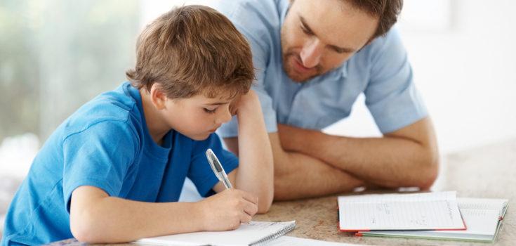 Implícate más en el ámbito educativo de tus hijos para que vean que confías en ellos