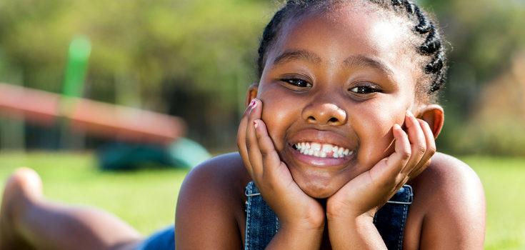 Los niños introvertidos disfrutan de los momentos de soledad y no necesitan estar rodeados de personas