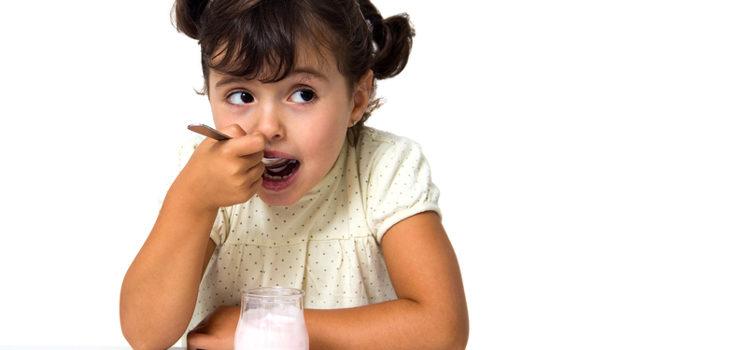 El yogur ayuda a asimilar mejor los alimentos que ingerimos