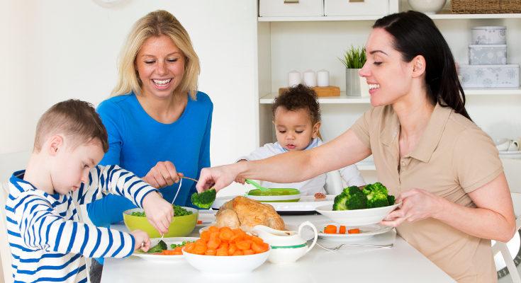 Si quieremos que nuestros hijos coman de todo, debemos hacerlo nosotros también