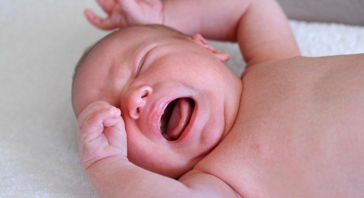 No debemos dejar llorar nunca al bebé, así sólo está aprendiendo que no tiene cerca a sus figuras de proteccion