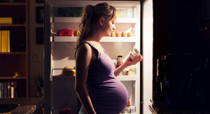 El calcio ayuda al desarrollo del bebé, tanto sus huesos como otros órganos