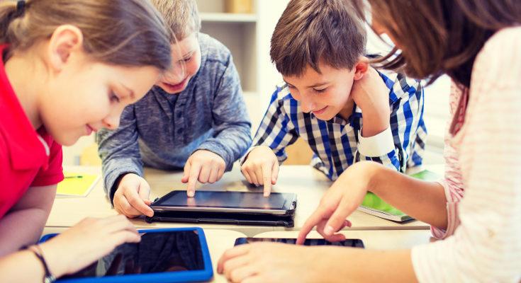 Los niños no deberían usar la tablet más de 2 horas diarias