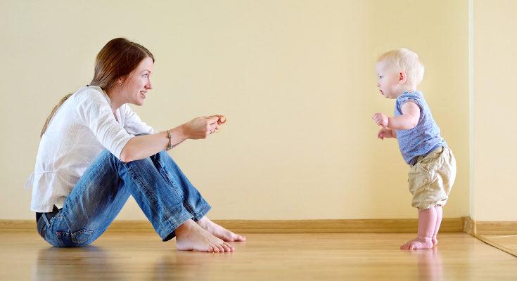 Si tu bebé está descalzo le será más sencillo andar