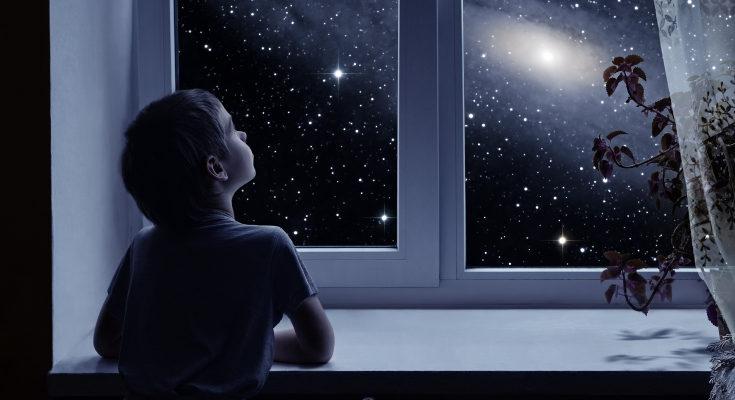 Enseña a tus hijos a disfrutar de la oscuridad