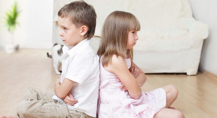 En muchas ocasiones la confrontación entre hermanos viene de un sentimiento de celos