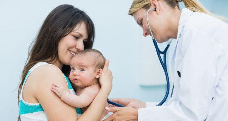 Debemos consultar al pediatra antes de usar supositorios en el bebé