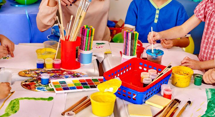 Esperad a que los profesores pidan materiales nuevos antes de comprarlos, igual aún no los van a usar
