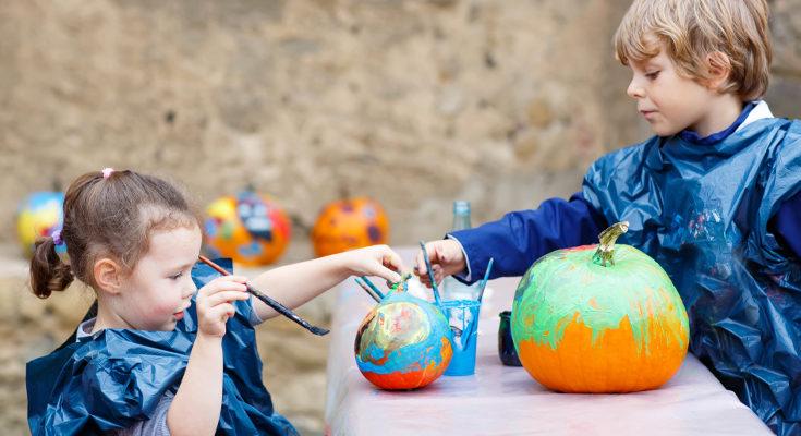Evita que los niños se dañen usando pinturas y pegatinas en vez de un cuchillo