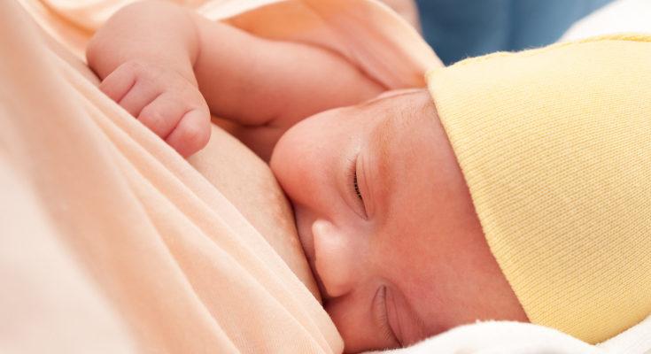 Al principio, el bebé será alimentado por una sonda, después podrá hacerlo desde el pecho