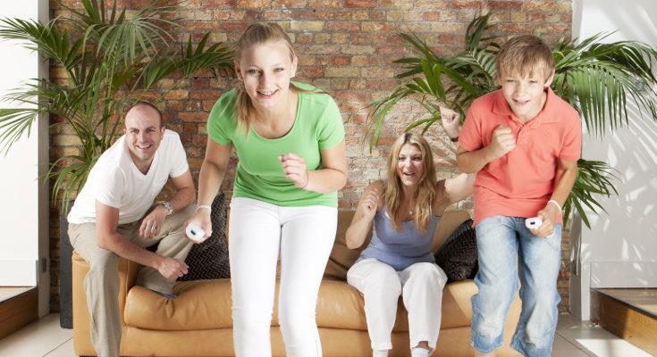 Hoy en día hay muchos juegos que nos animan a levantarnos del sofá