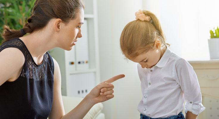 Las críticas dañan la autoestima de nuestros hijos