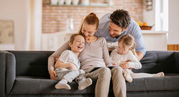Manteniendo la atención a nuestros hijos, podemos tener pareja sin problema