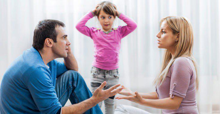 Si no hay situación de maltrato, los niños deben disfrutar de los dos padres o madres