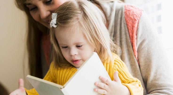 Cuando leen juntos, pueden comentar la historia y el niño asimilar mejor lo que se lee