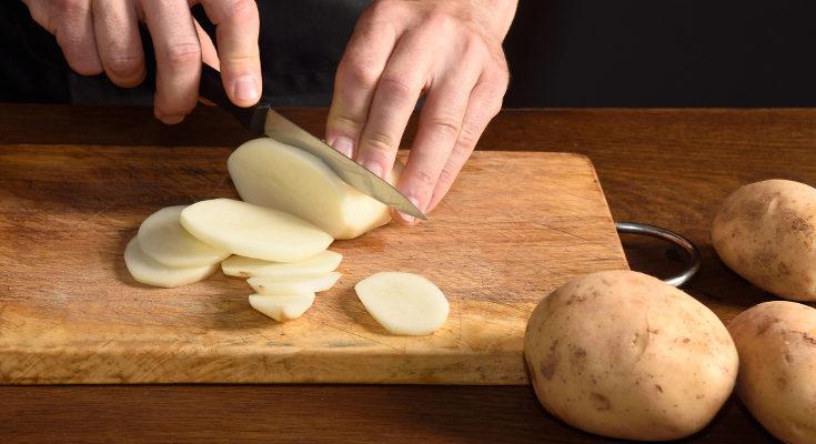 Te proponemos una nueva receta de patatas para que sean igual de ricas, pero más sanas