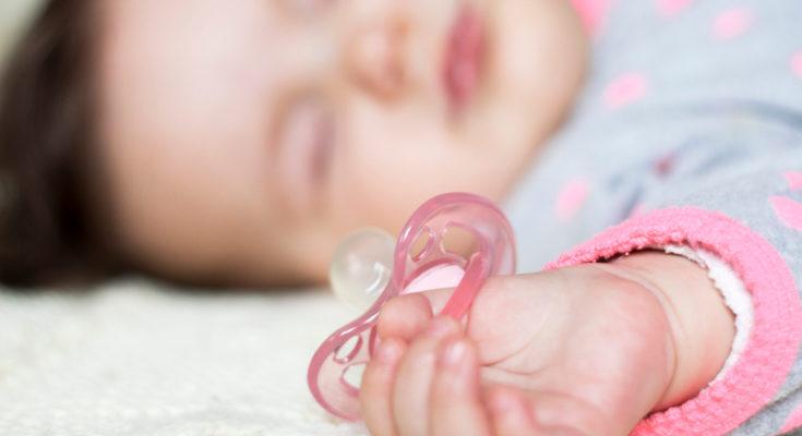 Hay bebés que no tienen problemas con los gases, por lo que el chupete pueden usarlo sin problemas