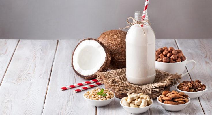 Si damos leche vegetal a los niños, debemos compensar la carencia de algunos nutrientes con otros alimentos