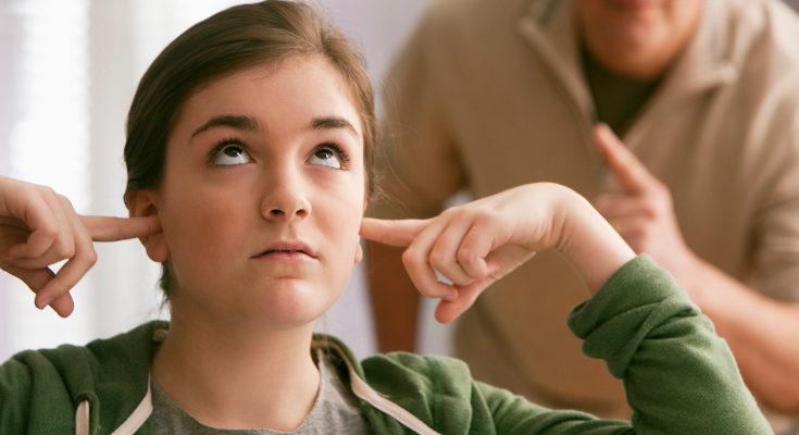 El exceso de negativas hace que nuestros hijos dejen de escucharlas