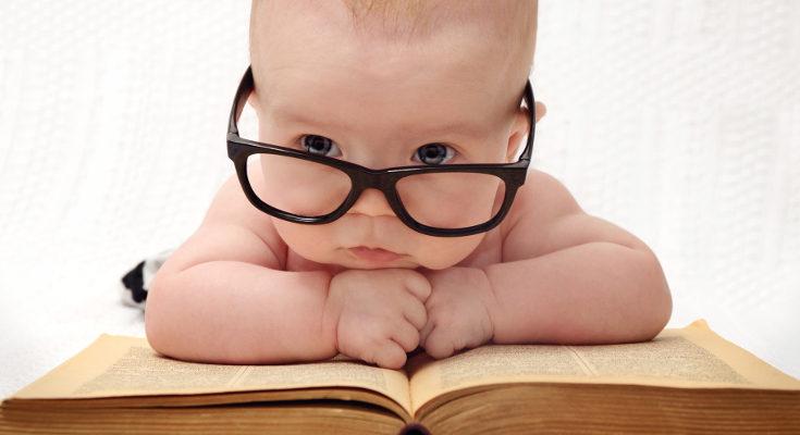 Existen multitud de libros adaptados para leer a bebés