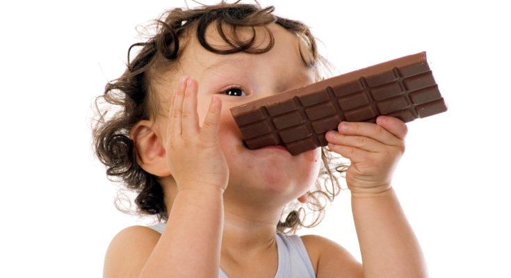 A partir del año los niños pueden comer de todo, incluso chocolate