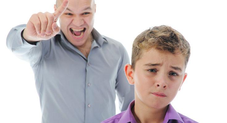 Muchos padres y madres usan el grito intentando imponer autoridad