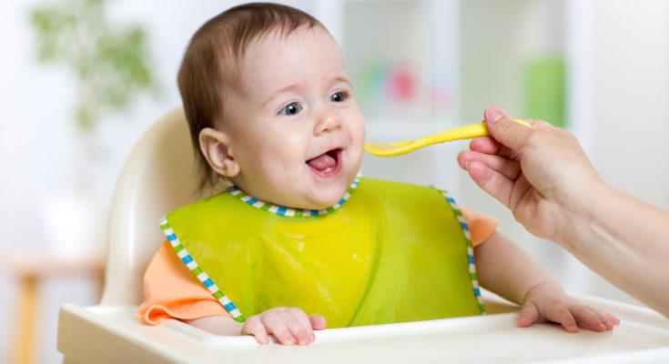 Antes de los 2 años no deben tomar más que 1 gramo de fibra por pocada 100 de alimentos