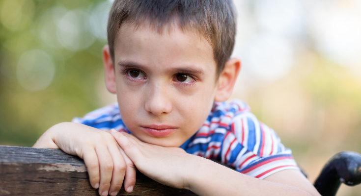 Lo deseable es que el niño o niña quede con alguien cercano de su familia