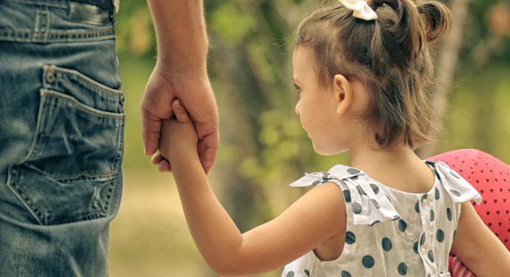 El acogimiento familiar de un menor es ayudarle a darle estabilidad en un momento muy difícil de su vida