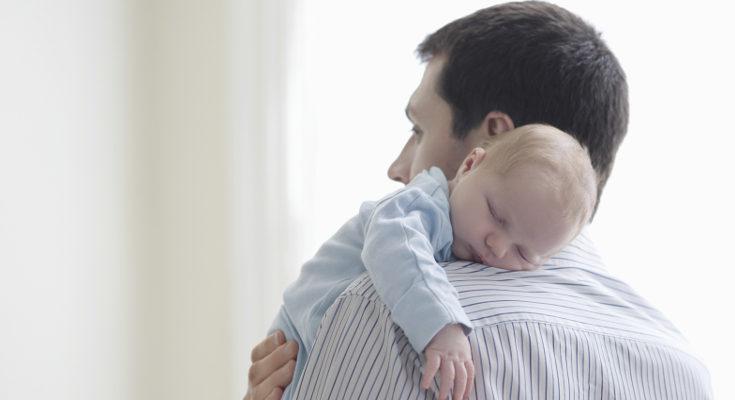 Cuando cumple más meses, el bebé duerme más tiempo seguido