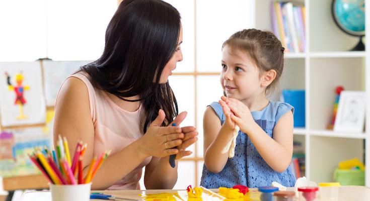 Que no de muestras de cariño no implica que nuestro hijo o hija no nos quiera