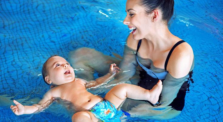 Acude a clases y piscinas especialmente pensadas para bebés
