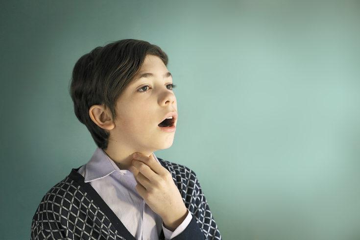 En los chicos es muy reconocible el cambio de voz durante la pubertad