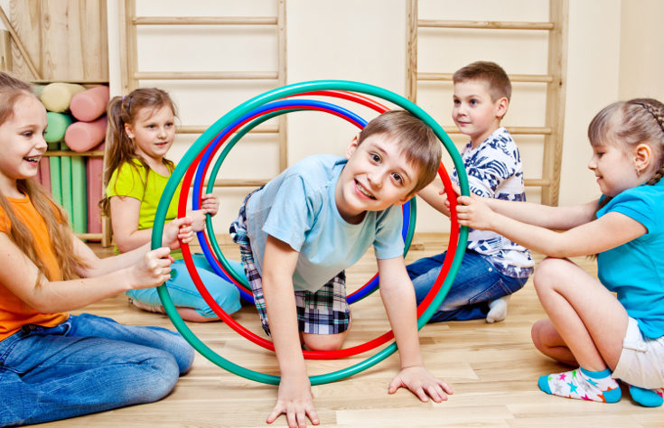 Entrenar la psicomotricidad infantil aporta numerosos beneficios a los niños y las niñas