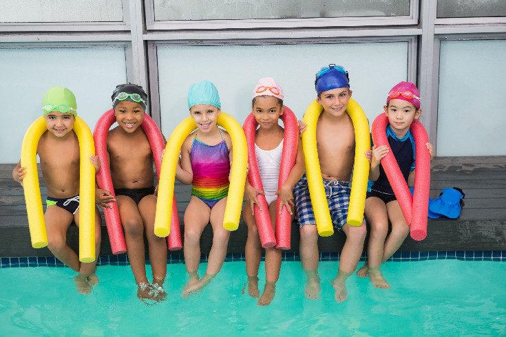A partir de los 4 ó 5 años los niños pueden aprender a nadar perfectamente
