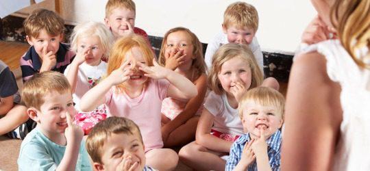 Niños en la guardería