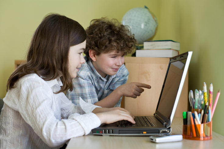 Los niños deben entender que las comunicaciones por internet son reales, que están hablando con personas