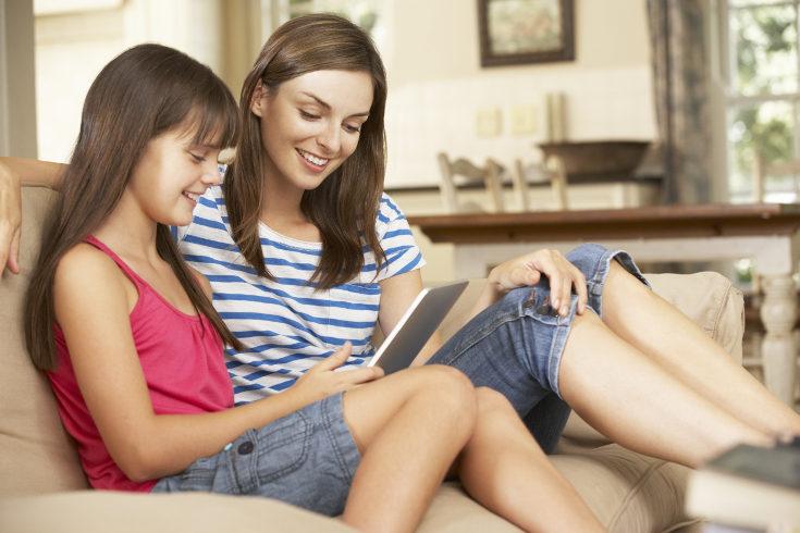 Cuéntales tus experiencias y guíales mientras aprenden lo que es internet