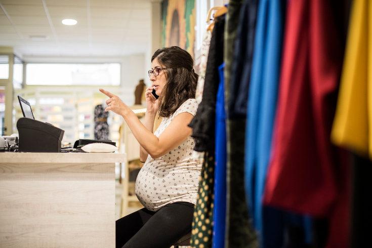 Se cree que las madres rinden menos que las mujeres sin hijos
