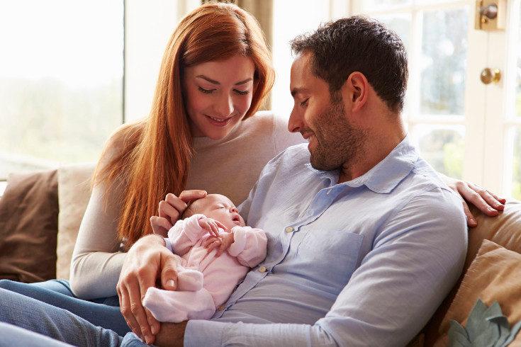 También puedes dar el bebé en adopción para una familia que desee tener un hijo por esta vía