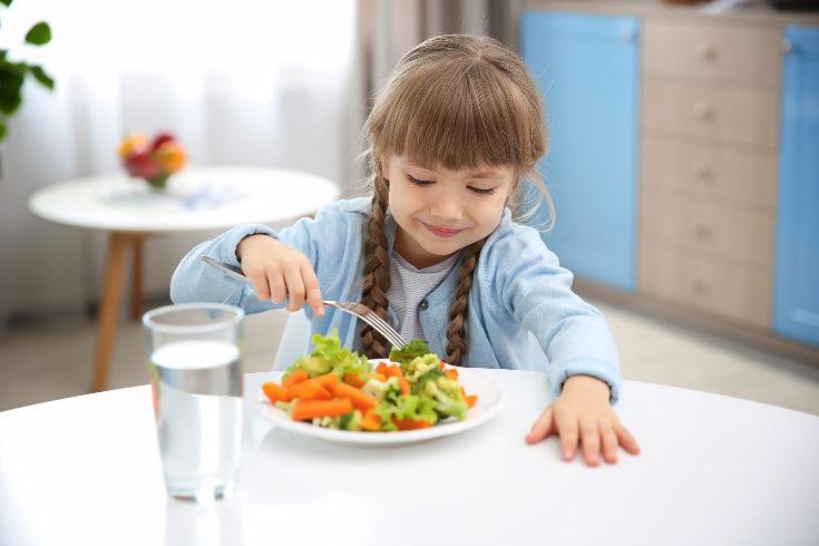 Para compensar la falta de hierro, los niños con anemia deben tomar una dieta rica en este nutriente