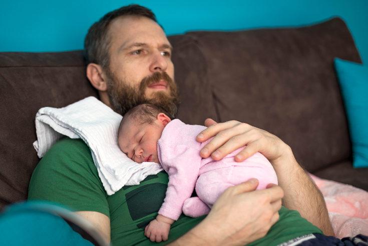 La baja maternal puede ser solicitada por el padre, o combinar entre ambos