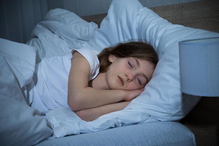A los niños con apnea del sueño les ocurre que se les bloquean las vías respiratorias al dormir