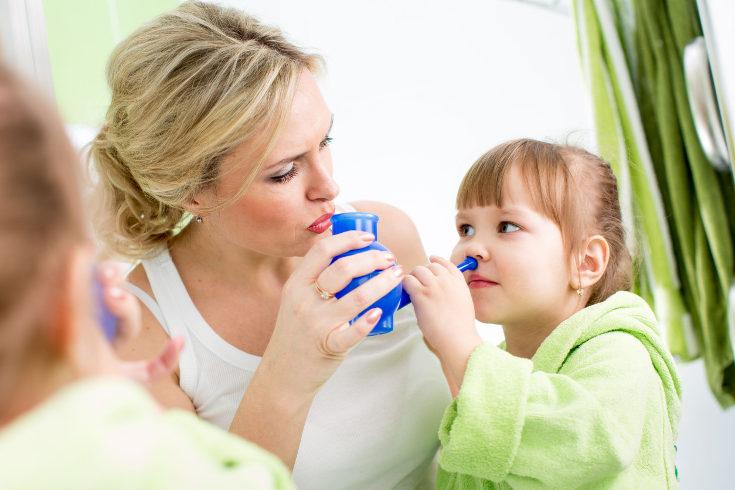 El tratamiento varía según el caso, a veces se necesitan aerosoles nasales si aparecen pólipos nasales