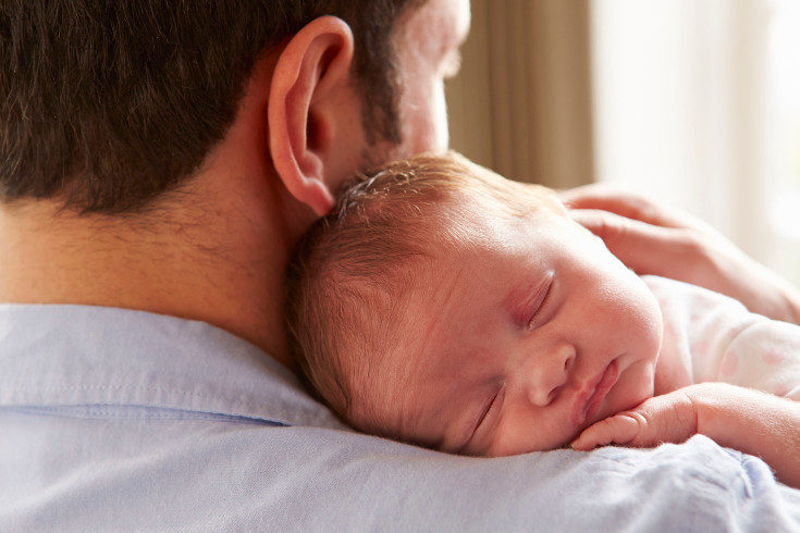 Sorprendentemente, algunso bebés nacen con dientes o les nacen muy pronto